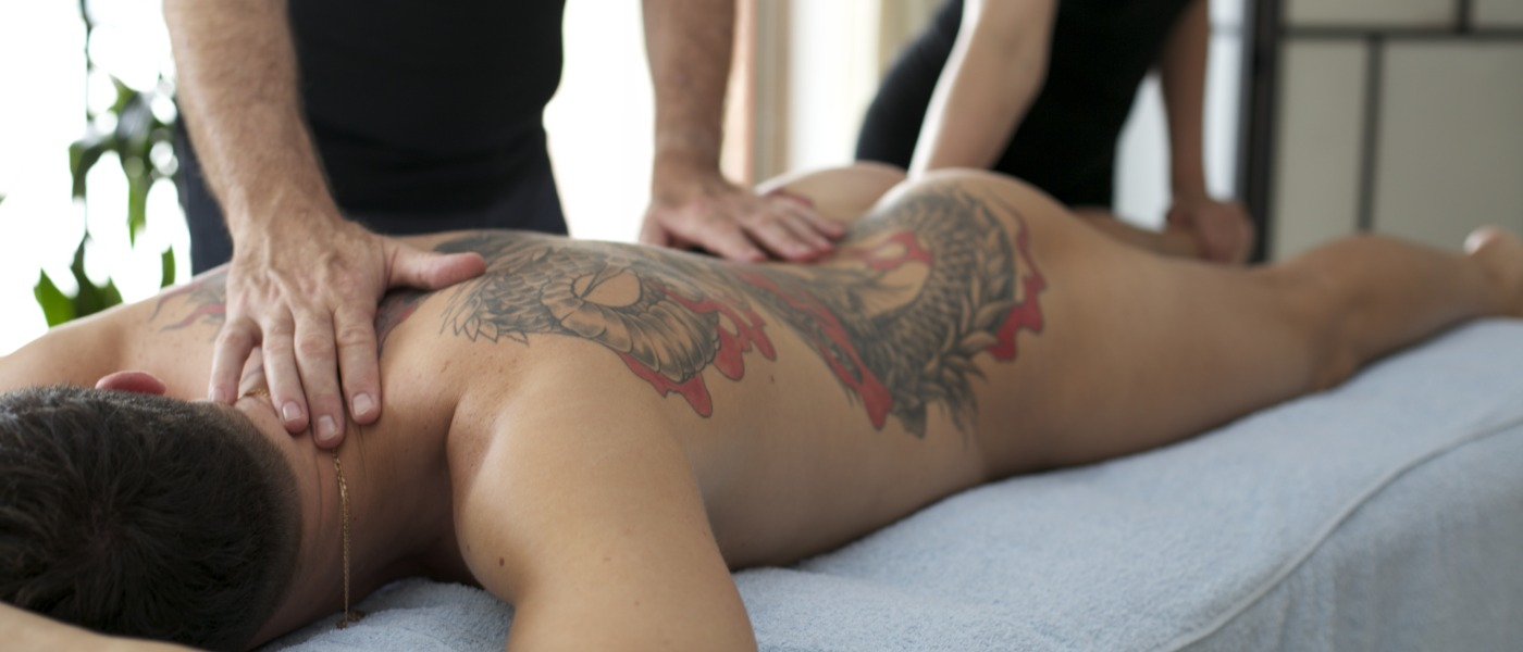 naked-hand-massage